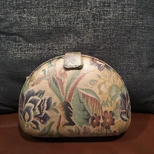 🆕LISTING- Beautiful Vintage Floral Handbag